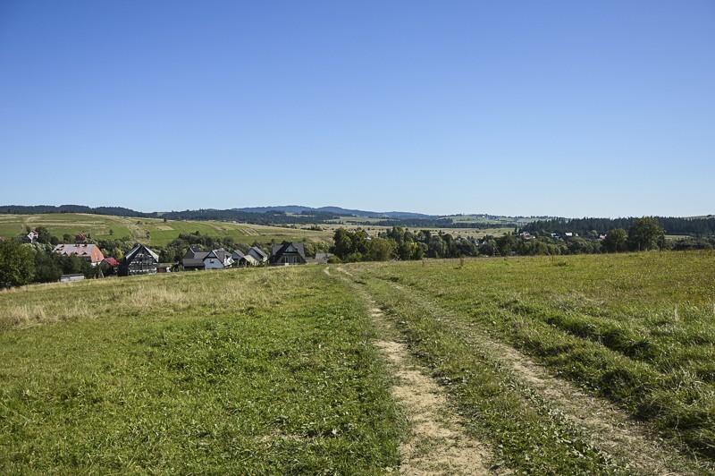 11 - Zielony szlak zJabłonki podBabią. Wcieniu wielkiej góry