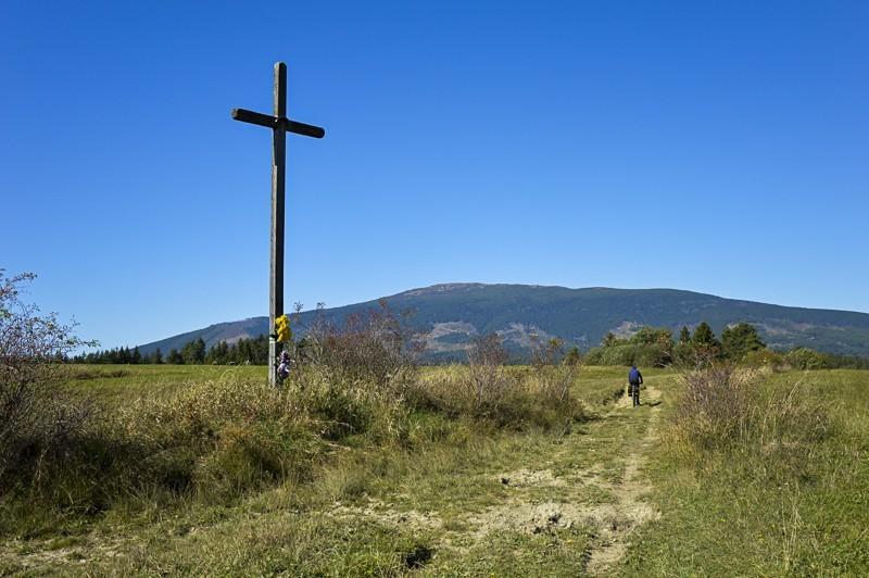24 - Zielony szlak zJabłonki podBabią. Wcieniu wielkiej góry