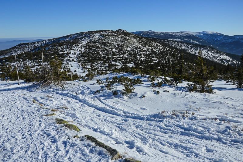 16 - Śnieżne Kotły zJagniątkowa. Polodowcowo izmgłami