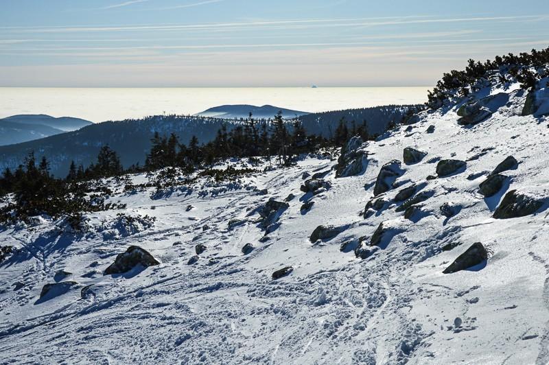 17 - Śnieżne Kotły zJagniątkowa. Polodowcowo izmgłami