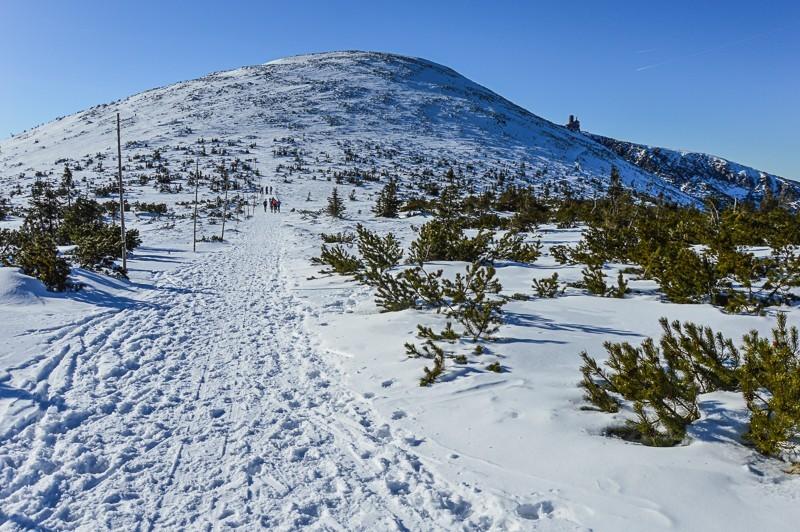 22 - Śnieżne Kotły zJagniątkowa. Polodowcowo izmgłami