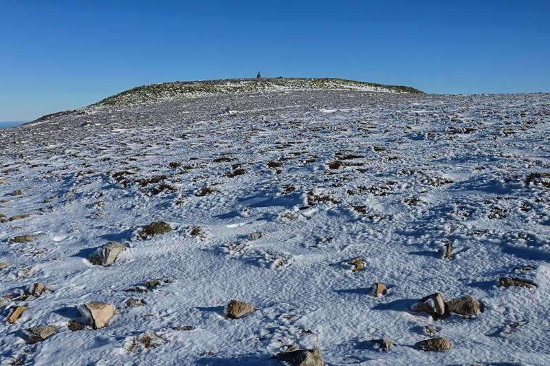 31 - Śnieżne Kotły zJagniątkowa. Polodowcowo izmgłami