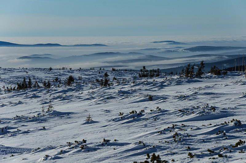 55 - Śnieżne Kotły zJagniątkowa. Polodowcowo izmgłami
