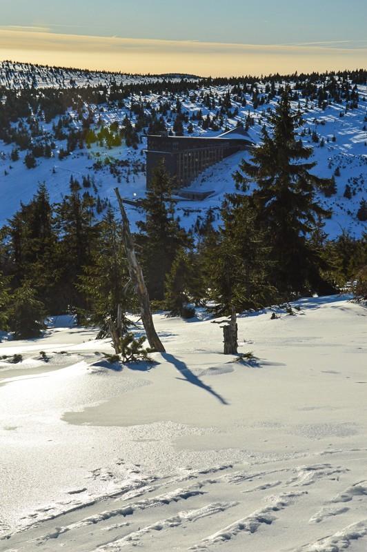 71 - Śnieżne Kotły zJagniątkowa. Polodowcowo izmgłami
